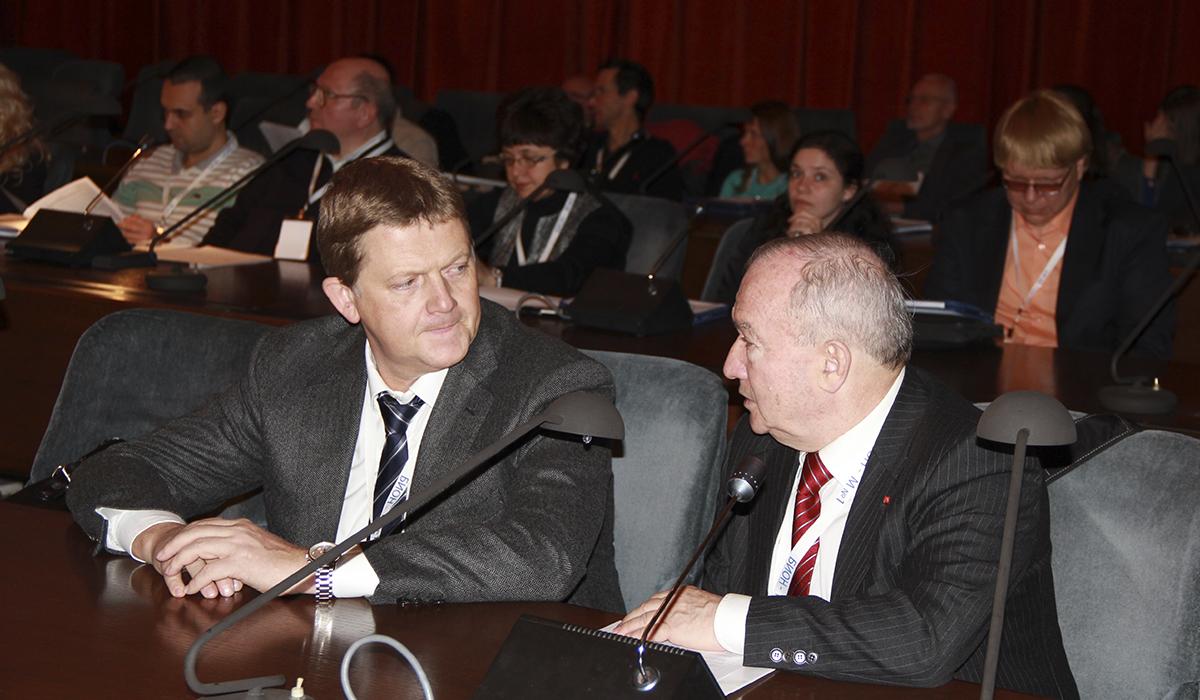 Наука, Промышленность, Бизнес. Можно ли их объединить? — Журнал Российский космос — Февраль №2 (110) 2015